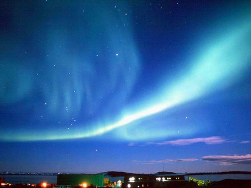 polar-light-show-north